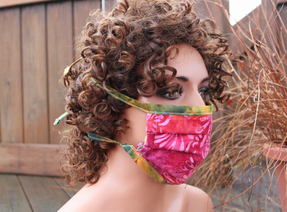 Fabric face mask - Fuchsia butterflies