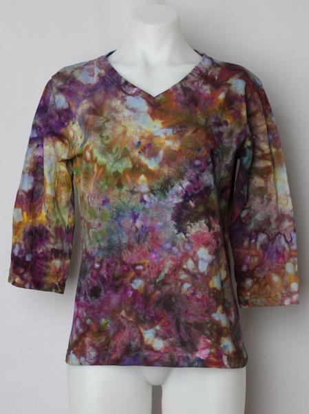 Ladies 3/4 sleeve v neck shirt - size Medium - ice dye - Na's favorite crinkle