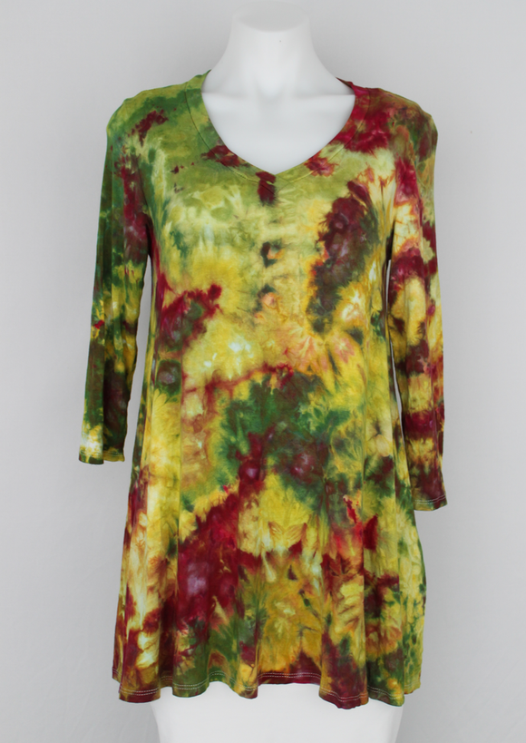 Tunic 3 quarter sleeve V neck - size Medium - ice dye - Waterlilies crinkle