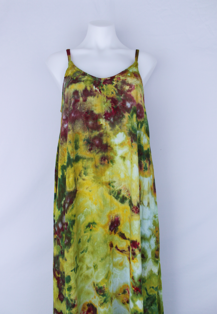 Rayon Slip on Maxi Dress - size Medium- Waterlilies crinkle