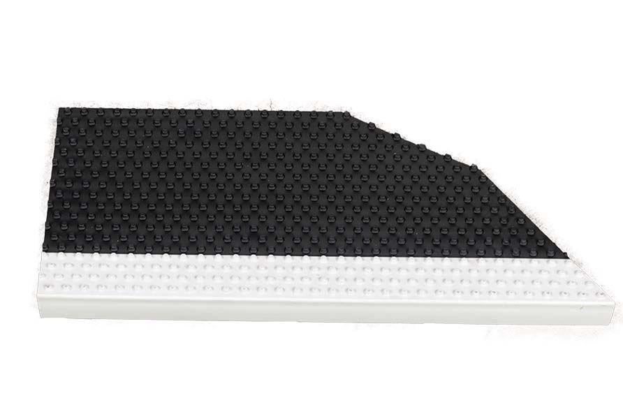 Steps Tread - Upper BB Ribbed Black/White nose