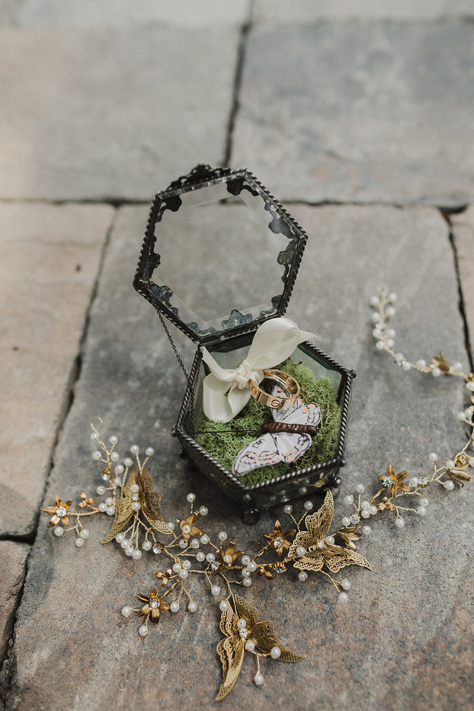 rustic eclectic wedding details ring box