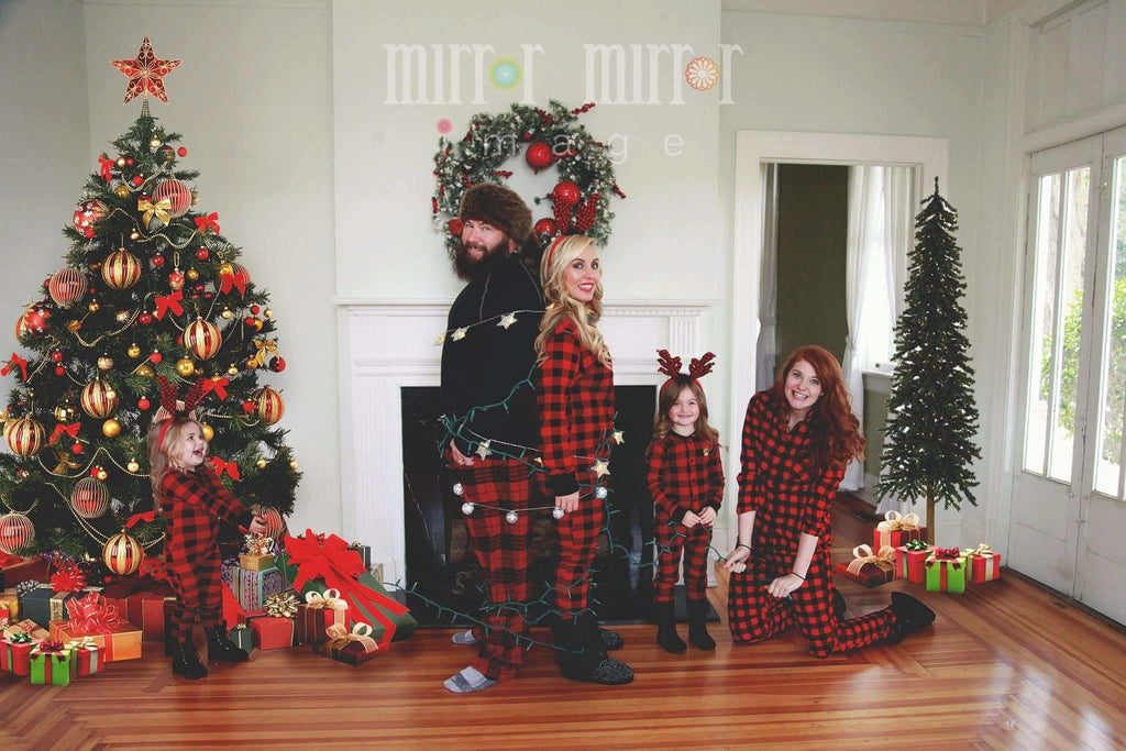 Finding temp work and the best Christmas family photo I have ever seen!