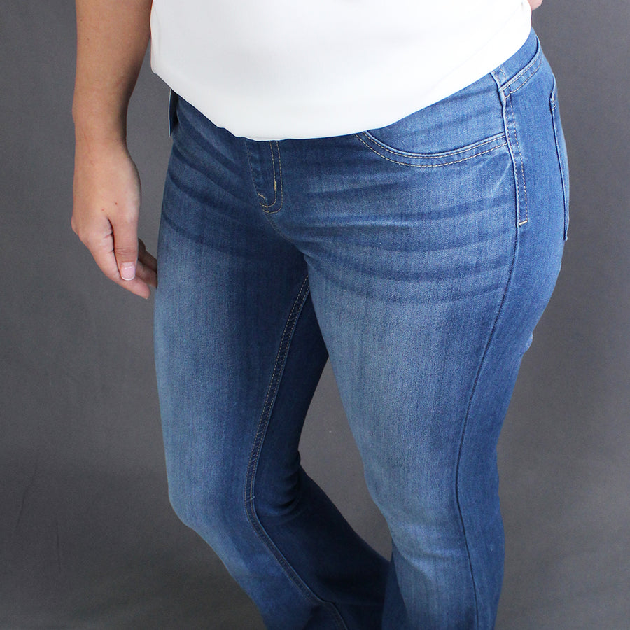 Gail - Flared Jegging Denim Pant