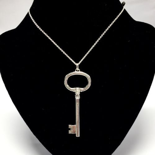 New Authentic TIFFANY & Co. 925 Sterling Silver 5 DIAMOND KEY PENDANT w/ Chain