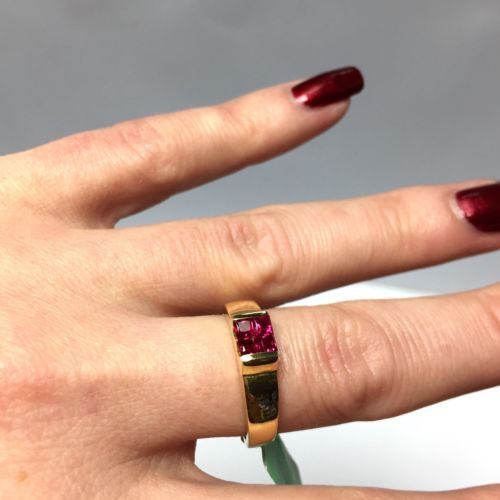 Gorgeous 18K Yellow Gold RUBY RING 0.66 TCW Size 7.25 Resizable, Weight 4.9g