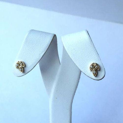 Cute 18K Yellow Gold Leaf-shaped Studs With White Baby Pearls