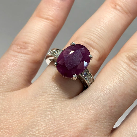 Vintage 14K White Gold ~7TCW Oval Red RUBY & 0.8TCW DIAMONDS Ladies Ring 7.4g Size 6.75