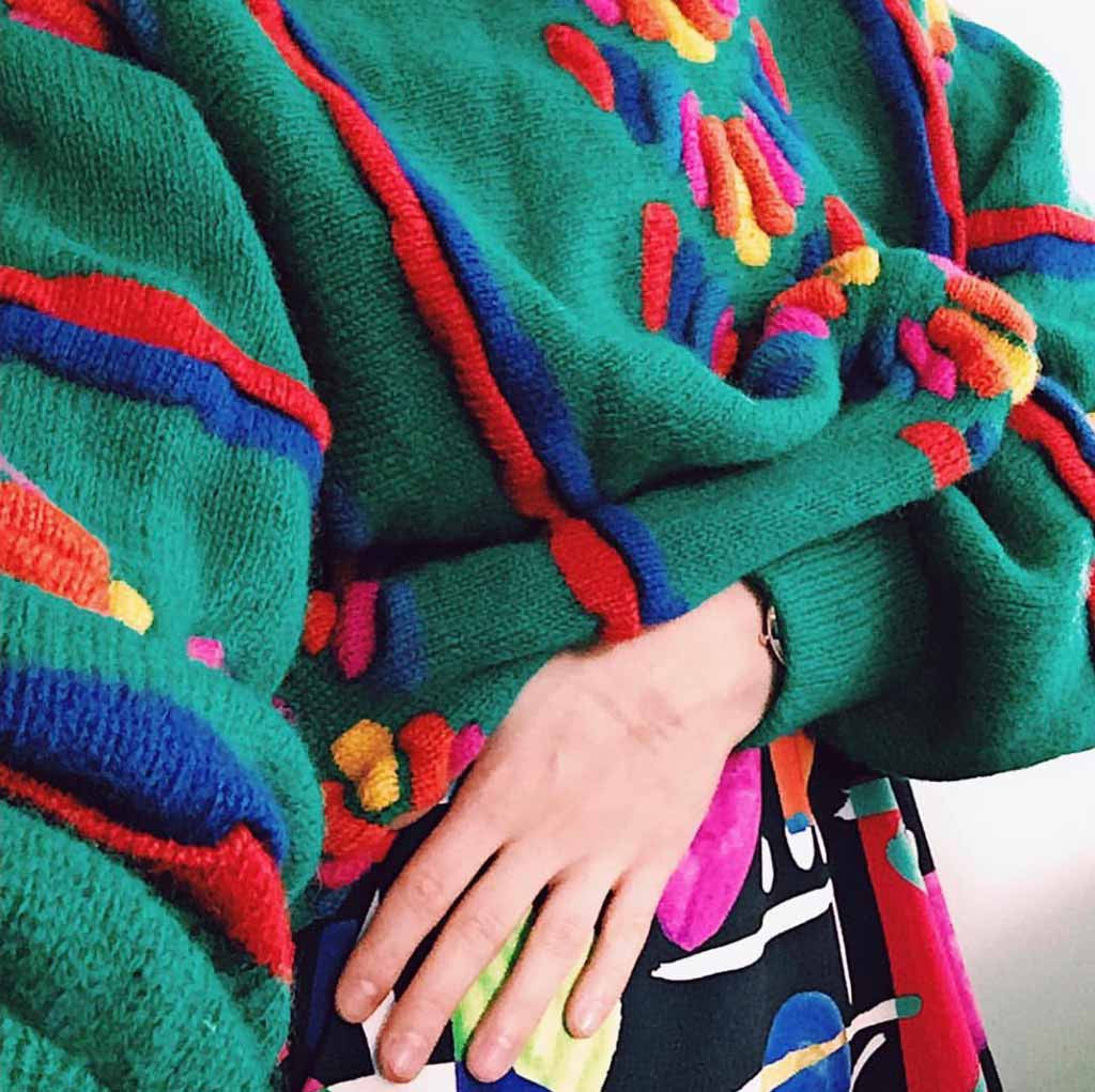 Prelovely | Fiona shows off colorful vintage 90s layers