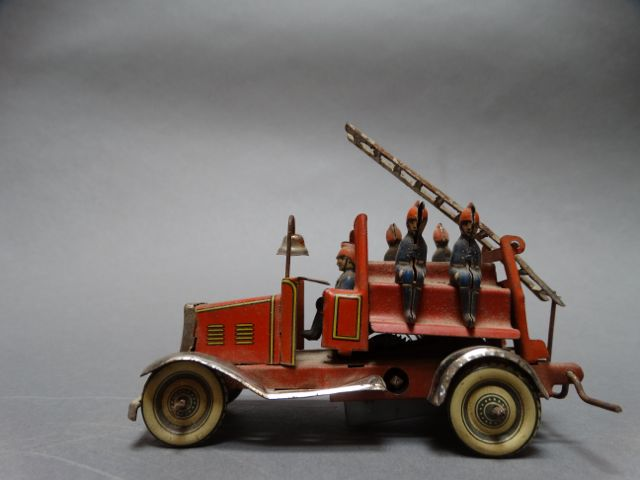 Tin Litho Fire Engine Early 20th Century
