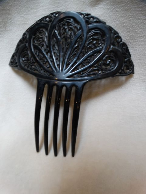 Ornate Black Mantilla Comb