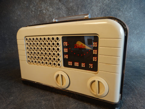 Delco Vaccuum Tube Radio Model R1238 in Bakelite, Lucite, Plastic & Wood 1948 A2382