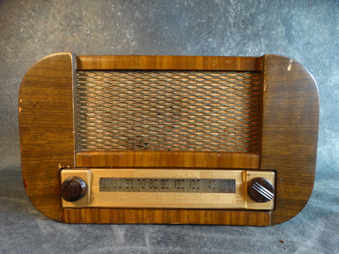 Admiral Brand Continental Table Model Radio 6T11-5B1 -  A2401