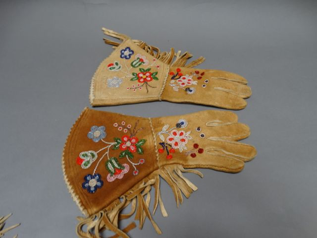 Plains Indian Cowboy Gloves