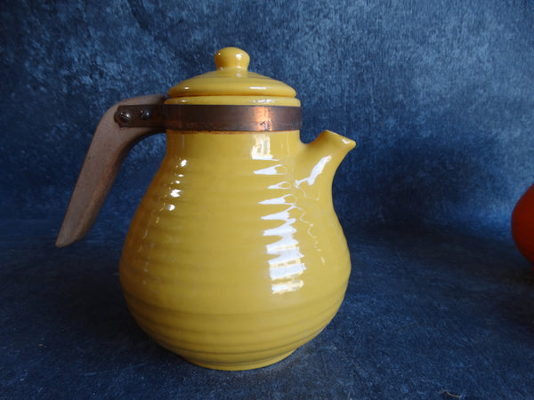 Bauer Yellow Snub Nose Coffee Pot w Lid B3078