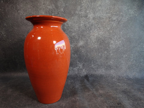 Bauer Fred Johnson Vase in Burnt Cinammon circa 1939 B3106