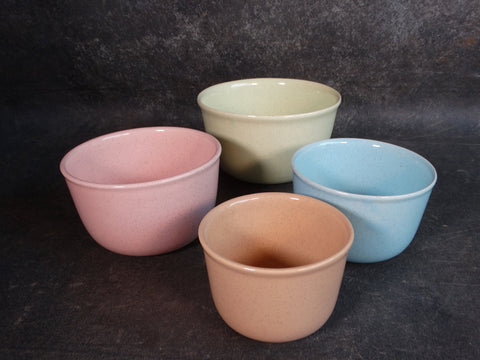 Bauer Speckle Ware Nesting Mixing Bowls Set of Four in Assorted Colors B3129