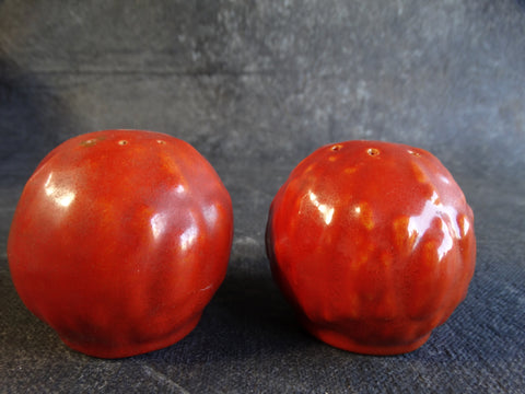 Catalina Island Toyon Red Pair of Salt & Pepper Shakers c 1931 C347