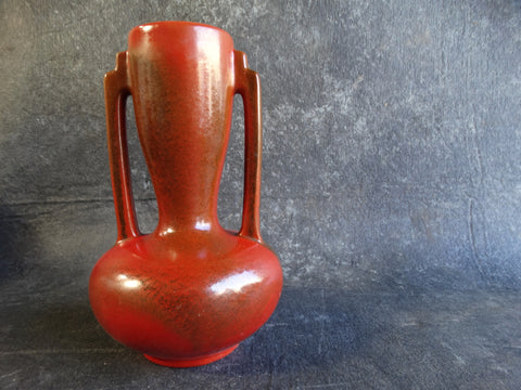 Catalina Island Indian Vase in Toyon Red C348