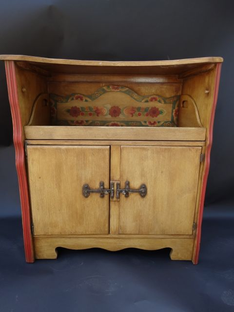 Monterey Middle Period Server Floral Straw Ivory c 1935