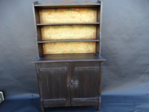 Monterey Classic Old Wood Crackle-back Hutch 1931
