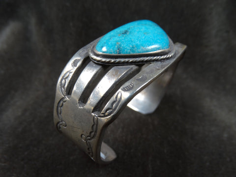 Navajo Single Triangular Stone Silver Cuff c 1940