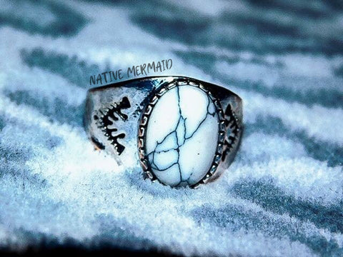Silver Howlite Ring