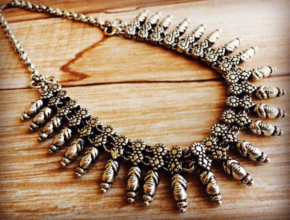 Classic Mango Necklace