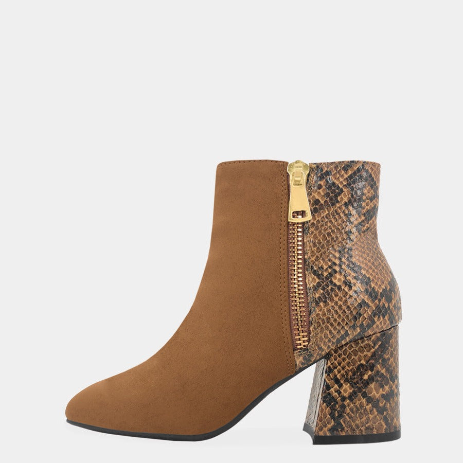 BOTIN CON ESTAMPADO DE ANIMAL PRINT EN TALON