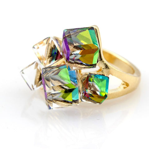 Eye Catching 5 Cube Stone In Gold Setting