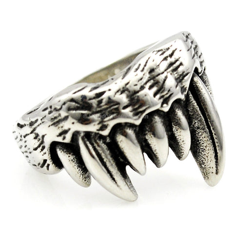 Silver Gothic Wolf Tooth Ring