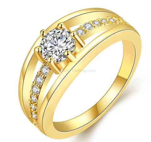 Glittering 18k Gold CZ Ring - HoardOfTheRings.com
