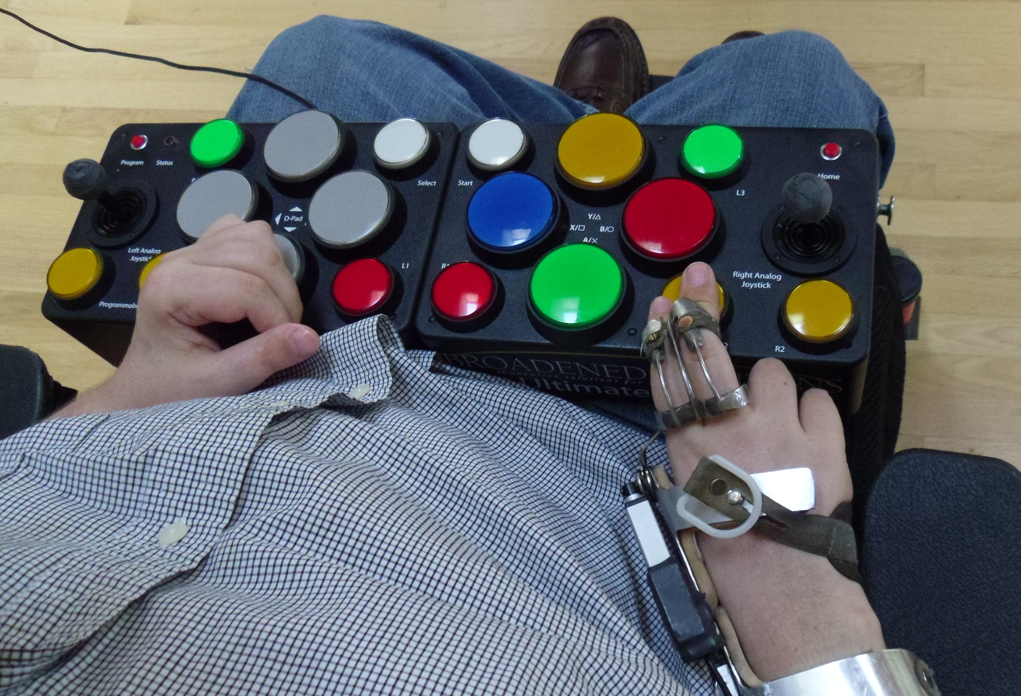 Medium Ultimate Arcade 2 Limited Dexterity Video Game Controller - Broadened Horizons Direct