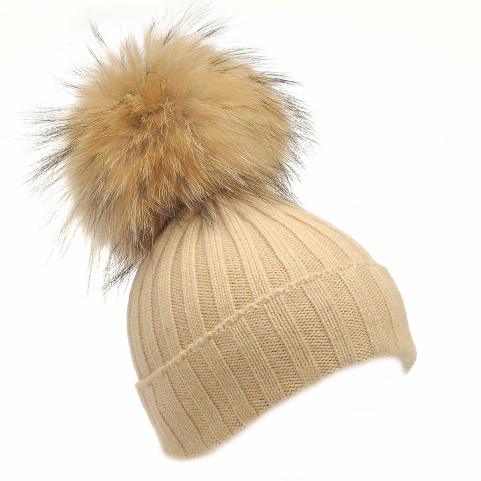 Caramel wool beanie with large raccoon pompom - Ellimonelli