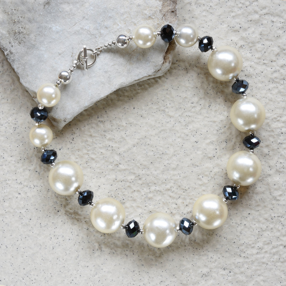 Auriel pearl, haematite crystal and silver necklace by Elli