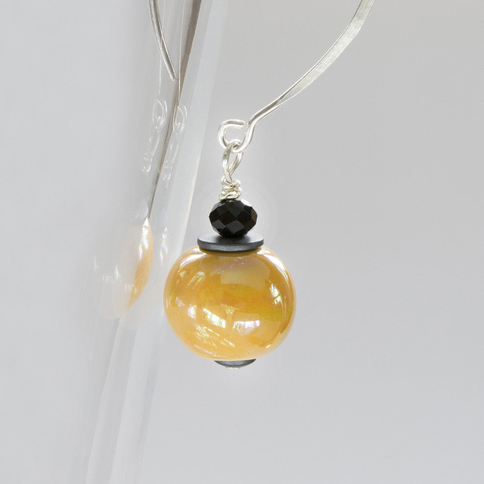 Finty 925 sterling silver earrings with mustard drops by Elli