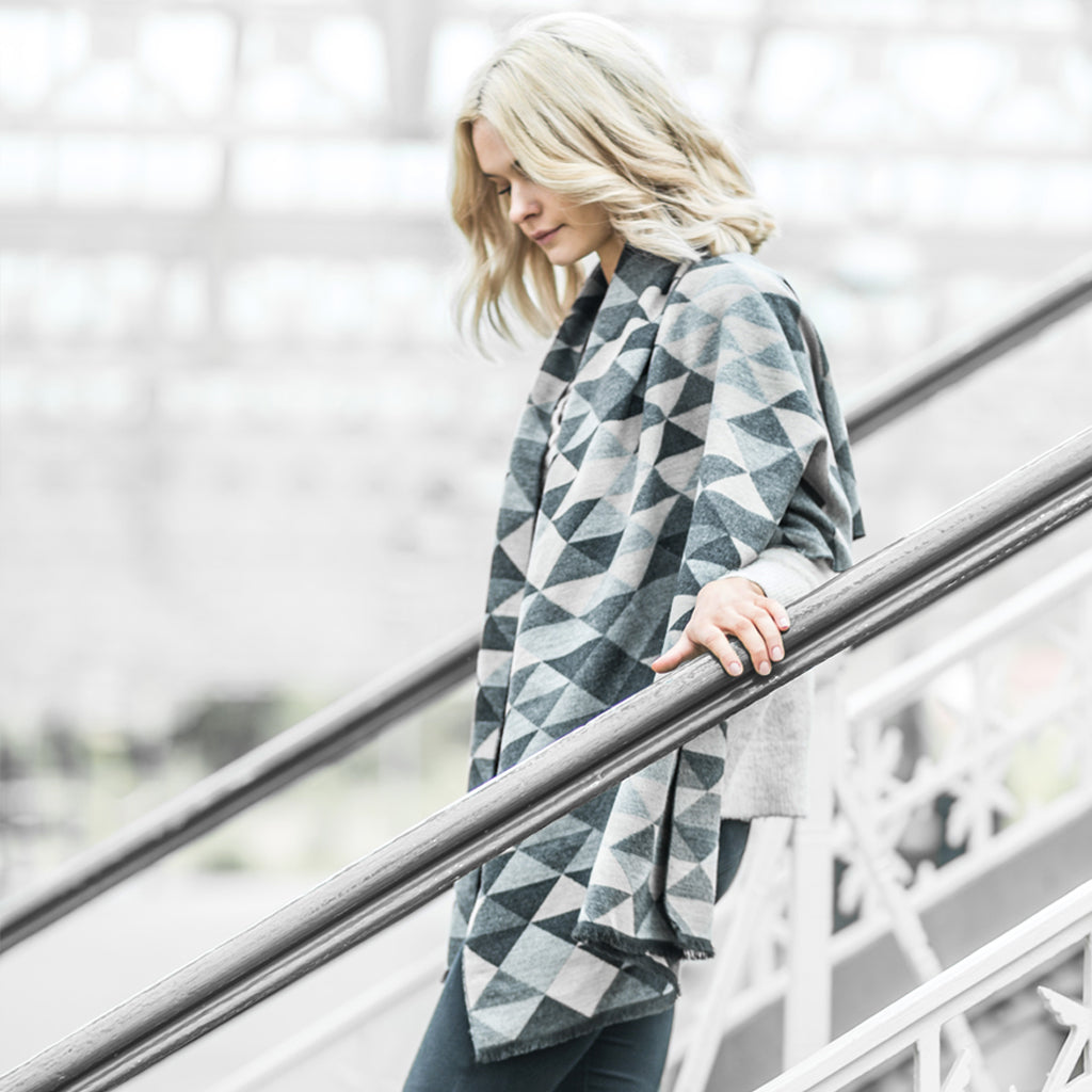 Tutti grey/charcoal geometric design wrap - Ellimonelli