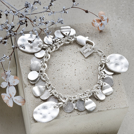 Tutti antique silver finish hammered oval charm bracelet - Ellimonelli