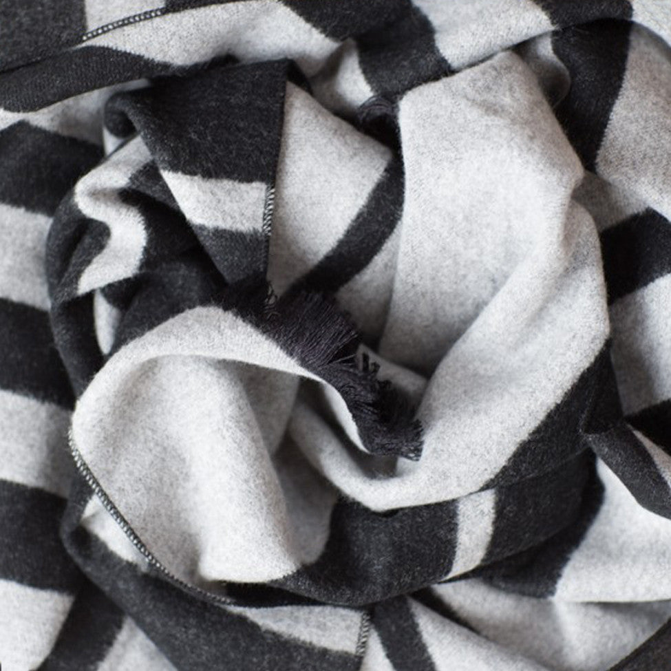 Tutti grey/black graduated stripe wrap - Ellimonelli