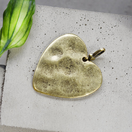 Tutti antique gold finish large hammered heart charm - Ellimonelli