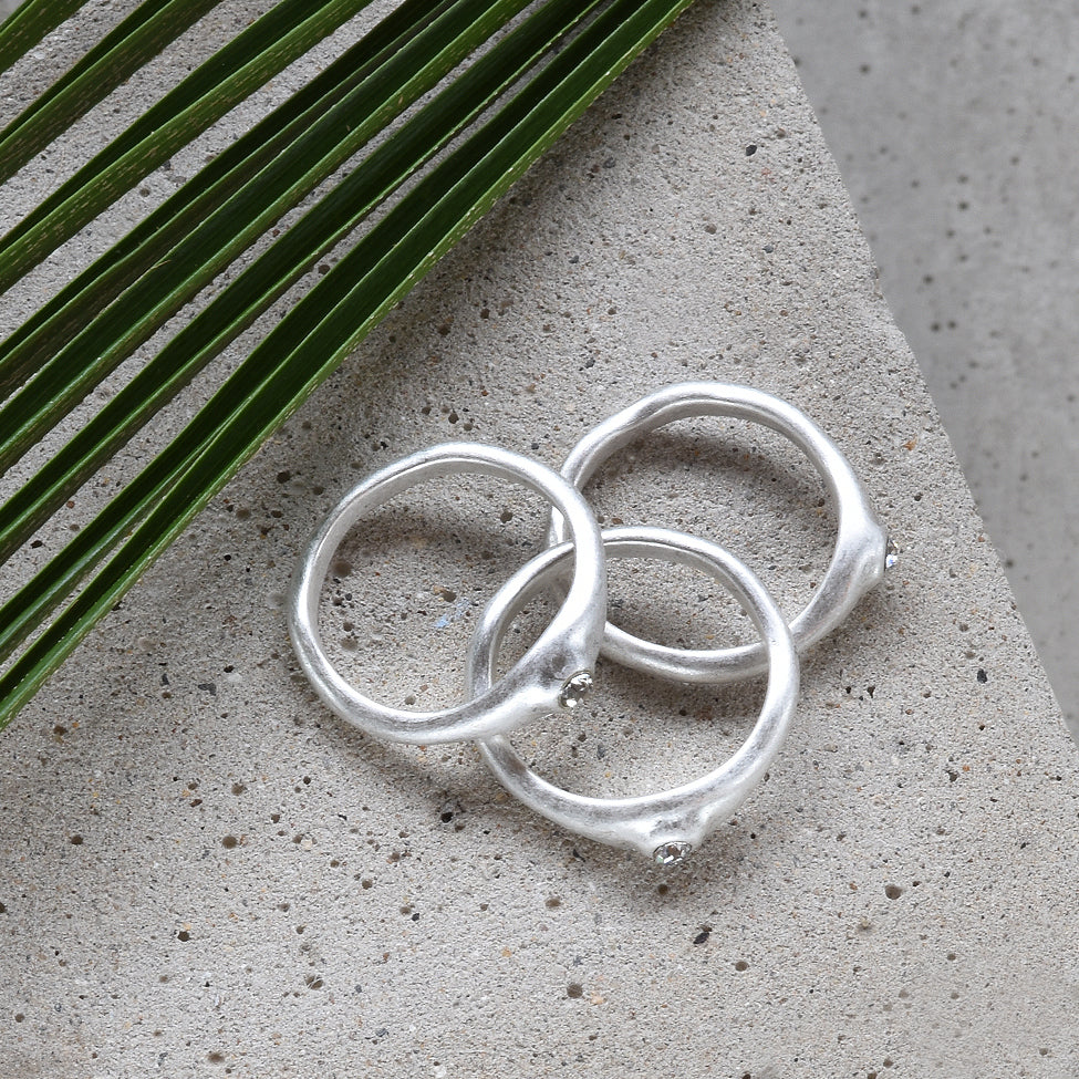 Tutti antique silver finish crystal focal rings - Ellimonelli