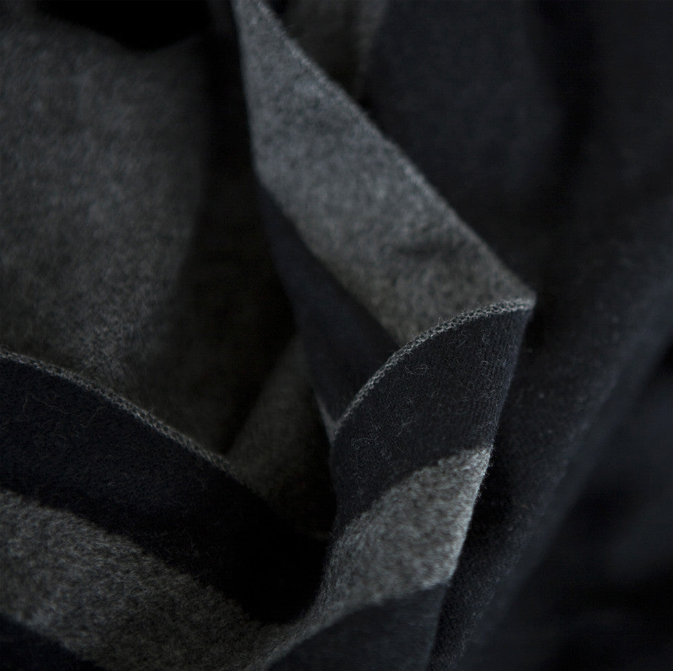 Tutti luxurious grey/black wrap with selvedge edge detail - Ellimonelli