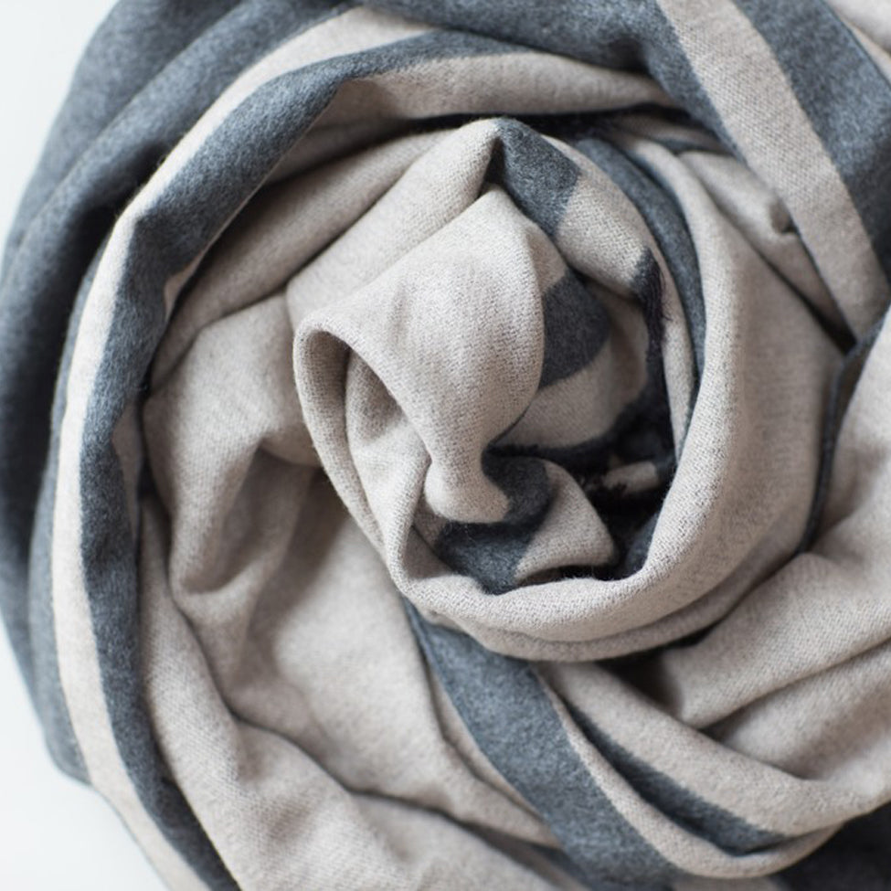Tutti luxurious stone/grey wrap with selvedge edge - Ellimonelli