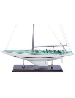 America's Cup Model: Courageous 1974 - Nautical Luxuries