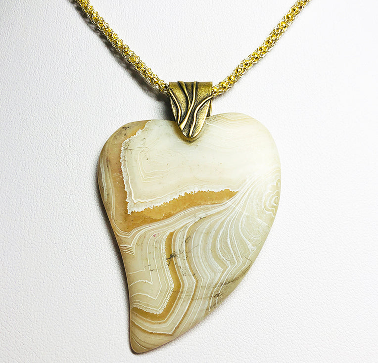 Agate Frosted  White Coin Stripes Heart Pendant