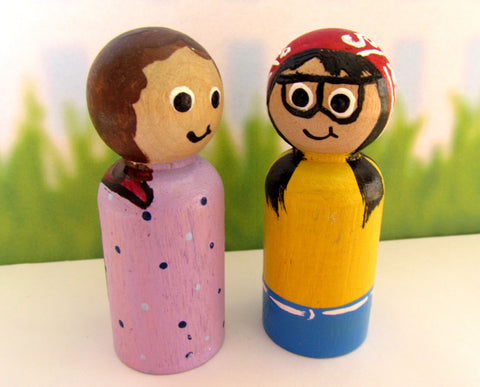 Handmade wooden peg doll mother and daughter made in Canada by M.D. Handfield Designs Inc.