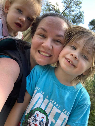 Eliza aka @limitless_lifestyle180 with her kids
