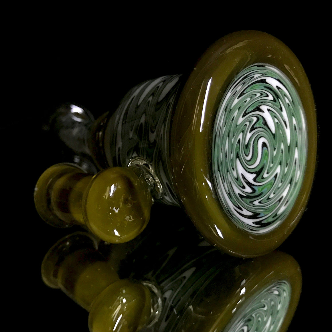 Fully-worked Banger Hanger - White/Green Rewig - 10mm Female