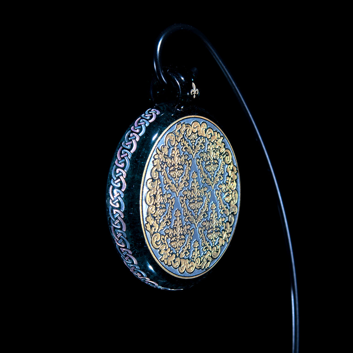 """Reversi"" Dual-sided Pendant - Grey"
