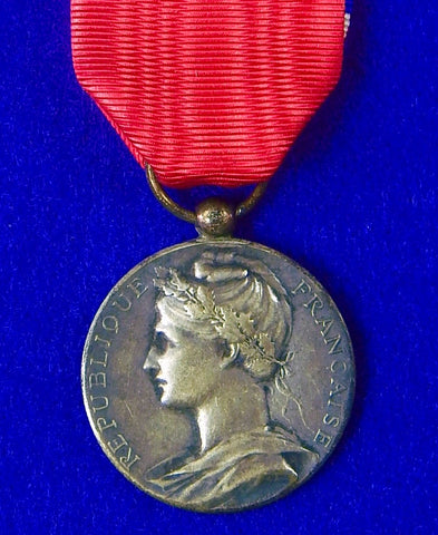 Antique 1901 French France Medal Order Badge